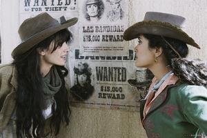 Salma Hayek ve Penelope Cruz'dan macera dolu bir film!
