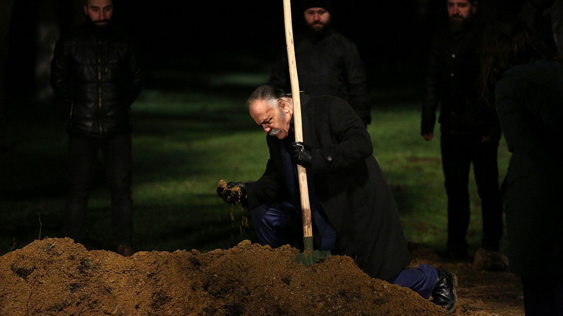 Celal Kudret'i diri diri gömdü. Kudret öldü mü?
