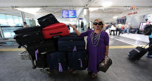 Bülent Ersoy havalimanına 40 bavulla gelince