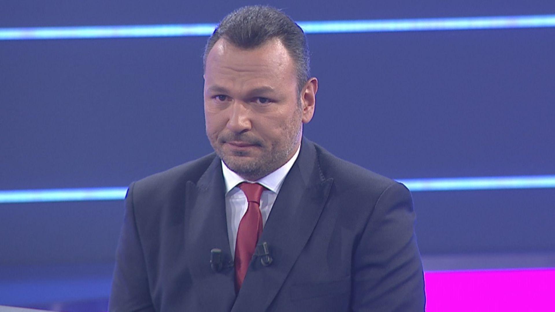 """Ali Sunal """"Bir Sorun Mu Var""""da gözyaşlarını tutamadı!"""