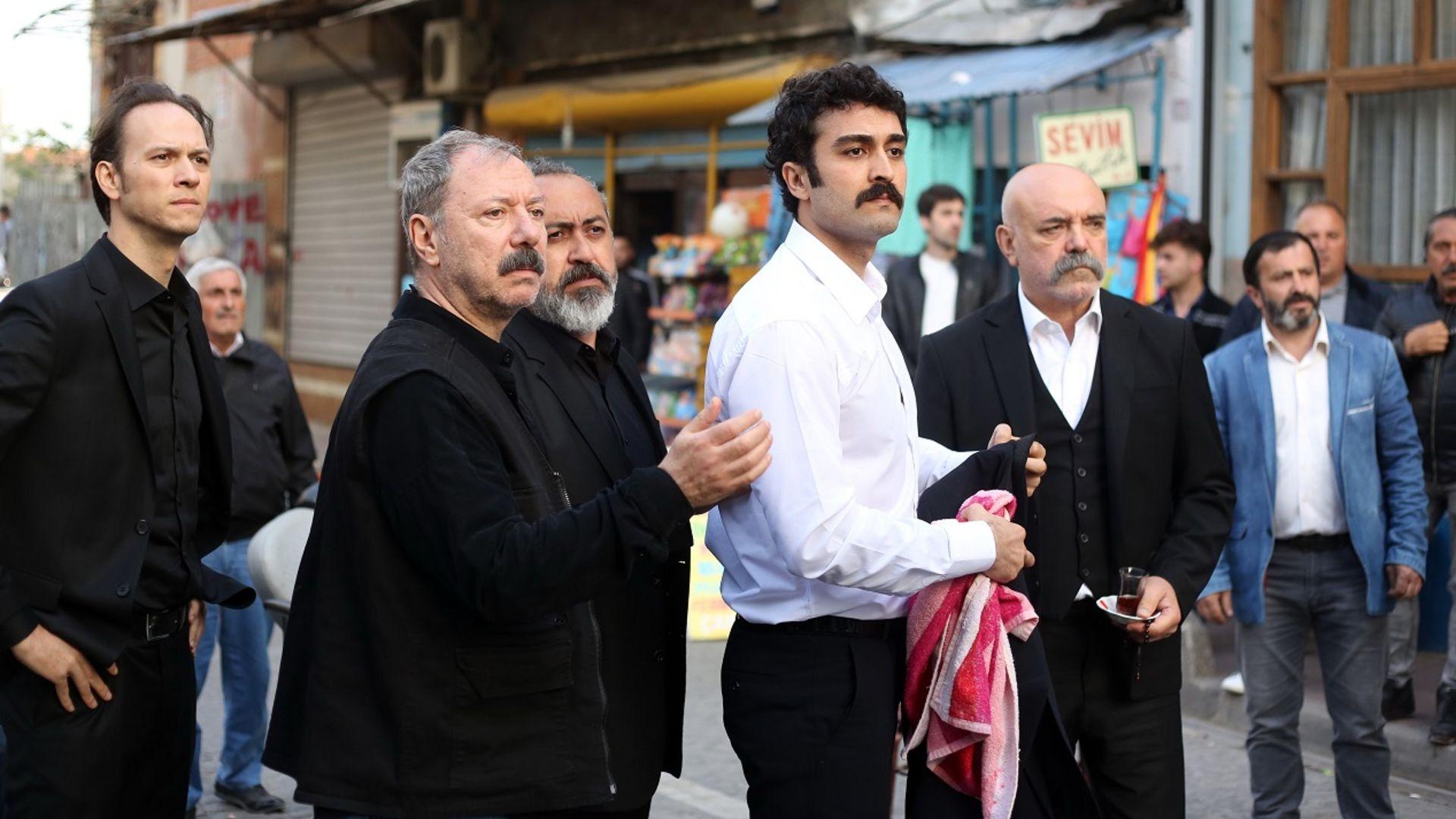 Selim, düğün gününde Cemil'i öldürdü!
