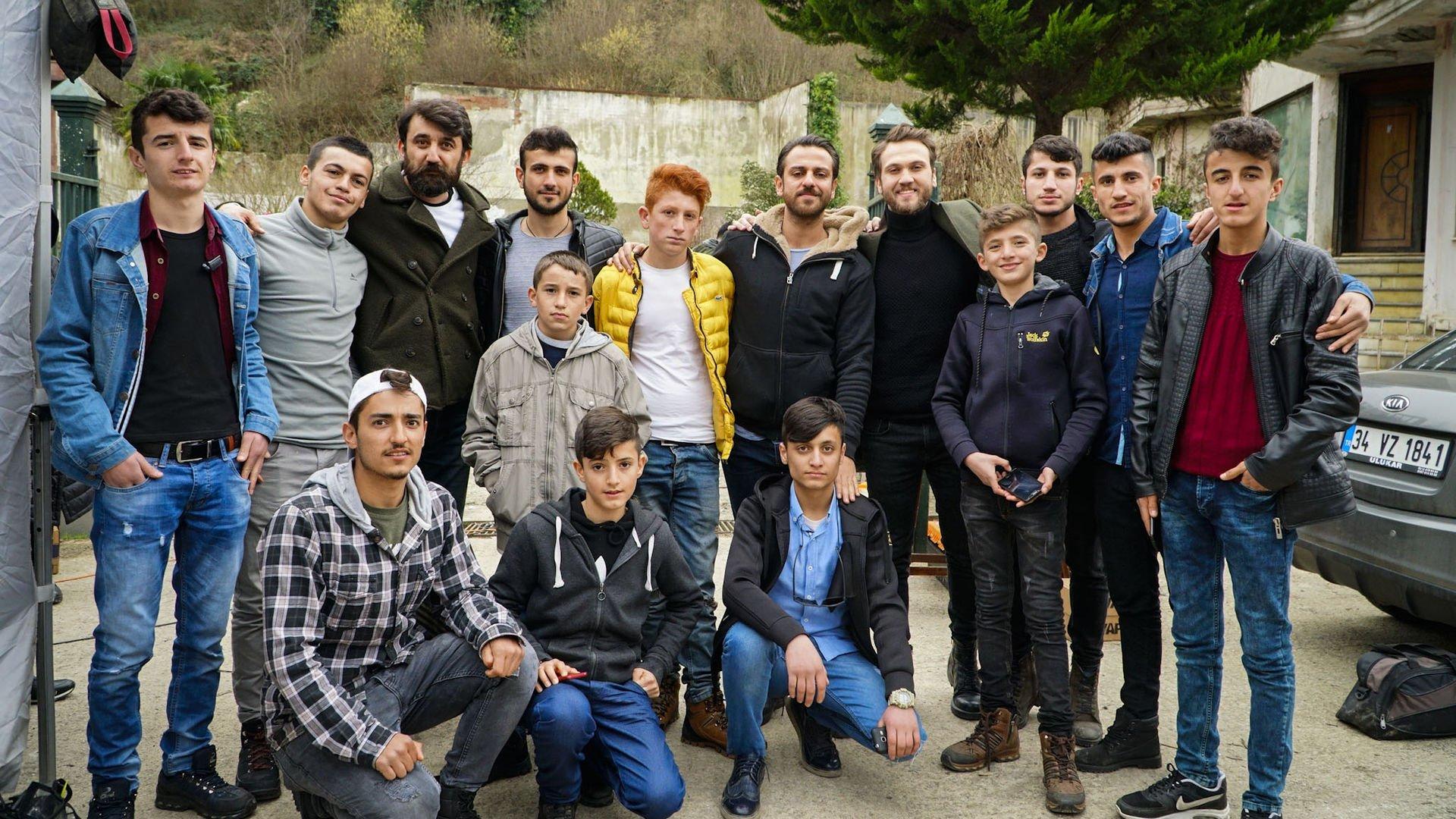 Çukurcalı gençler, Çukur'un setini ziyaret etti!