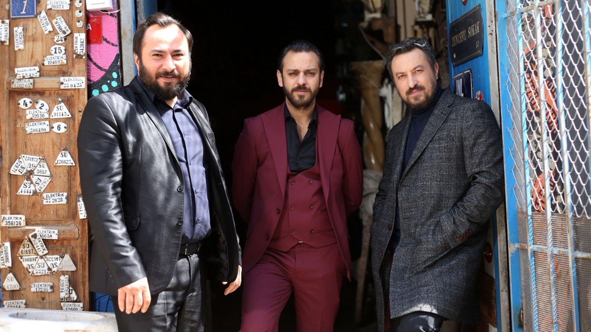 Türk dizi tarihinde aynı sahne ilk kez iki dizide birden ekrana gelecek!