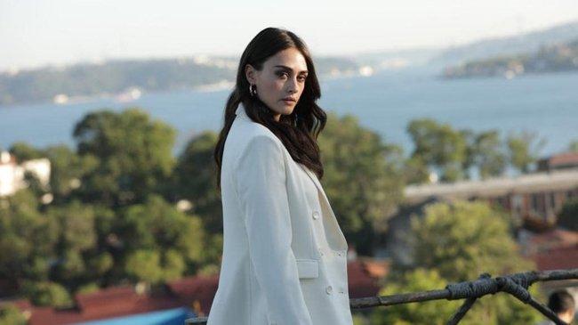 Esra Bilgiç: Ramo ile Sibel aşkına yepyeni bir düğüm attık
