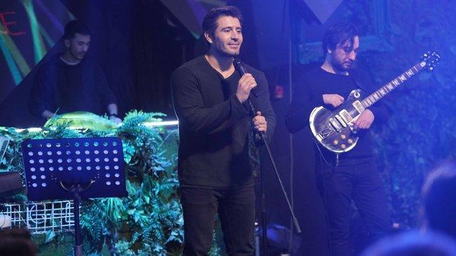 Alev Alev'de Cihangir Ceyhan'dan sürpriz şarkı!